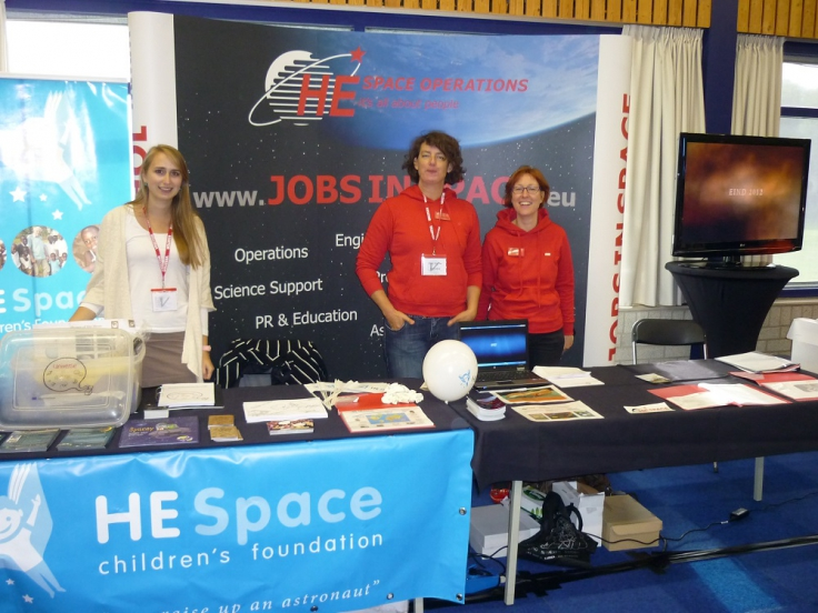 EU-Unaw Iris Nijman and Heleen van der Plas and Barbara ten Berge at ESTEC open day 2013
