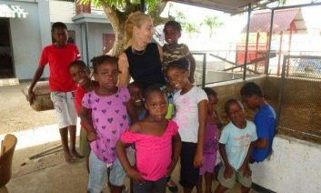 Elly van Lierop with the children